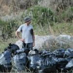 Tra i rifiuti