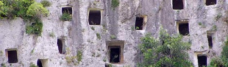 Grotta Trovato e necropoli di Pantalica - speleotrekking
